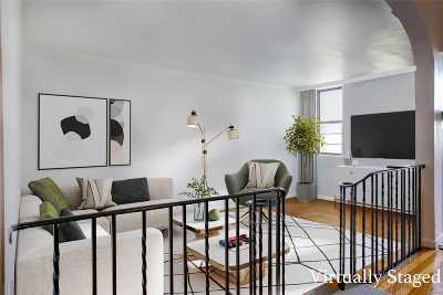 Sunnyside Condo/Townhouse For Sale: 41-07 42nd Street #4C