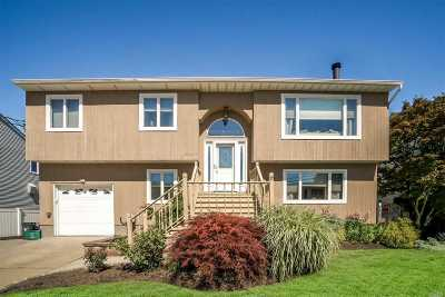 Seaford Single Family Home For Sale: 2607 Island Channel Rd