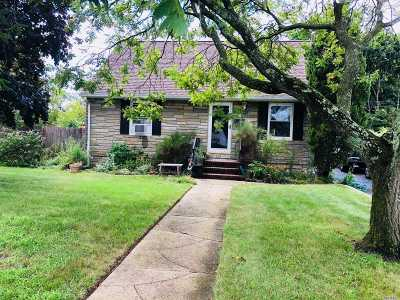 Bethpage Single Family Home For Sale: 6 Cresent Pl