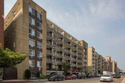 Long Beach Condo/Townhouse For Sale: 650 Shore Rd #3P