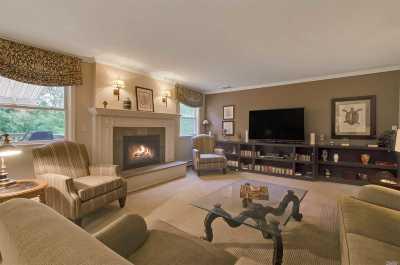 Port Jefferson NY Single Family Home For Sale: $548,000