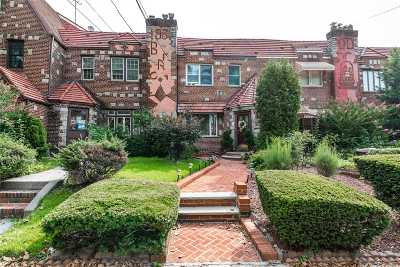 Middle Village Single Family Home For Sale: 63-57 Dry Harbor Rd