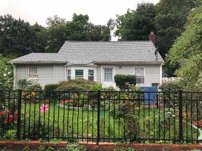 Huntington Single Family Home For Sale: 163 1st Ave