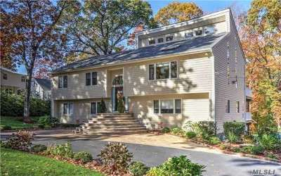 Huntington Single Family Home For Sale: 20 Bartlett Pl