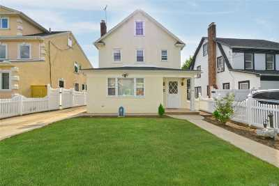 Bayside Single Family Home For Sale: 38-18 204th St