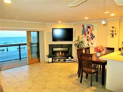 Long Beach Condo/Townhouse For Sale: 420 Oceanfront