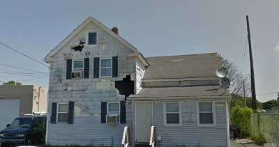 Bay Shore Single Family Home For Sale: 89 N Clinton Ave