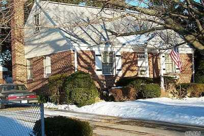 East Meadow Single Family Home For Sale: 2357 Rugby St