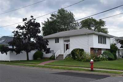 Island Park Single Family Home For Sale: 122 Pennsylvania Ave