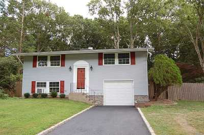 E. Setauket Single Family Home For Sale: 18 Lodge Ln
