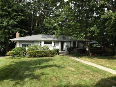 Single Family Home Pending: 36 Smiths Ln