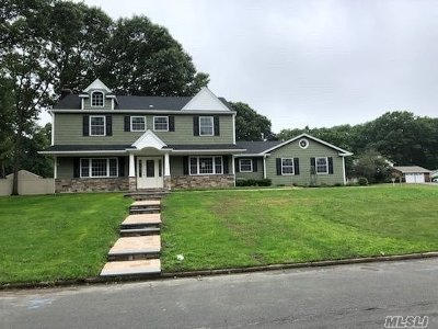 Stony Brook Single Family Home For Sale: 2 Silverspruce Ln