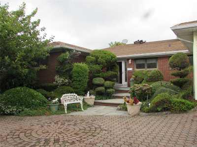 Massapequa Single Family Home For Sale: 26 Club Dr