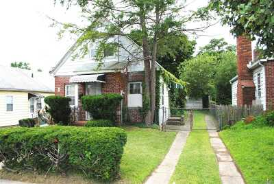 Fresh Meadows Single Family Home For Sale: 48-14 188 St