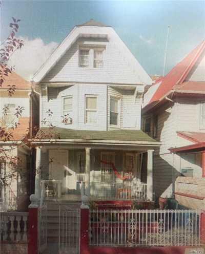 Brooklyn Multi Family Home For Sale: 60 Ashford St