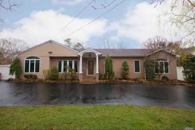 Bohemia Single Family Home For Sale: 247 Pond Rd