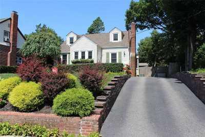 Babylon Single Family Home For Sale: 171 Locust Ave