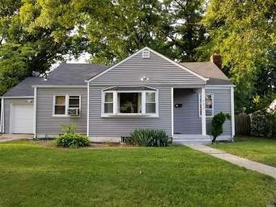 Rockville Centre Single Family Home For Sale: 422 Cornell Ave