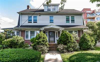 Flushing Single Family Home For Sale: 33-02 Parsons Blvd