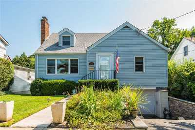 Glen Head Single Family Home For Sale: 24 Post St