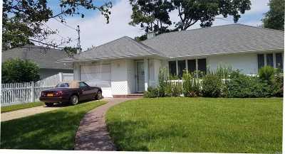 Oceanside Single Family Home For Sale: 587 S Derby Dr