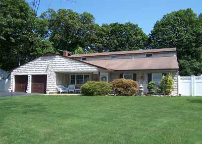 Lake Ronkonkoma Single Family Home For Sale: 95 Warren Ave