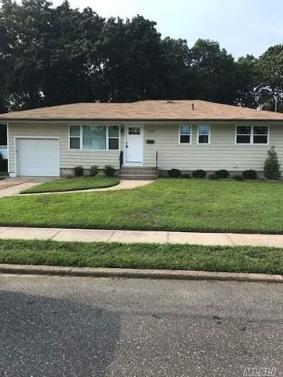 N. Babylon Single Family Home For Sale: 165 Prairie Dr