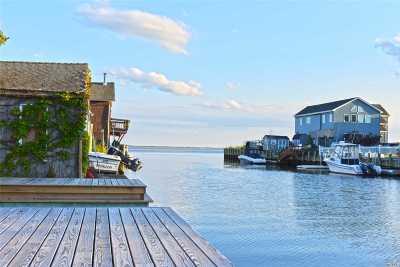 Massapequa Single Family Home For Sale: 127 Clocks Blvd