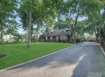 Smithtown Single Family Home For Sale: 49 Mount Pleasant Rd