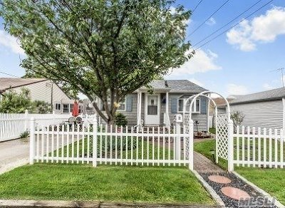 Single Family Home For Sale: 2 W Dewey St