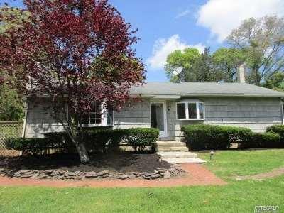 Hampton Bays Single Family Home For Sale: 32 Suffolk Rd