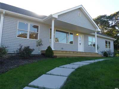 Hampton Bays Single Family Home For Sale: 46 Lynn Ave