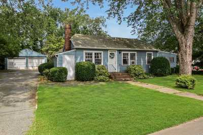 Huntington Single Family Home For Sale: 3 Montana St