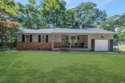 East Hampton Single Family Home For Sale: 76 Camberly Rd