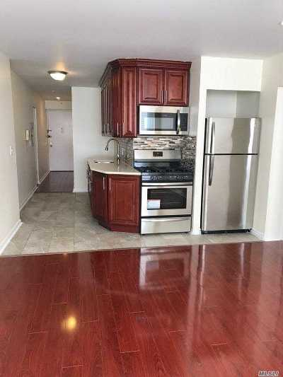 Long Beach Condo/Townhouse For Sale: 25 W Broadway #109