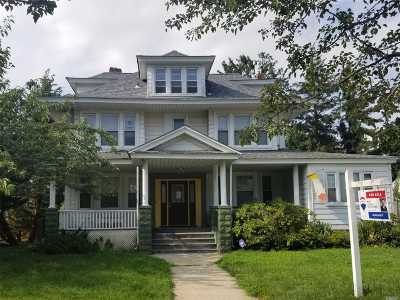 Freeport Single Family Home For Sale: 256 Whaley St