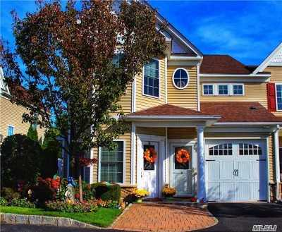 Oakdale Condo/Townhouse For Sale: 8 Meadow Court