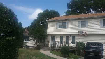 Farmingville Single Family Home For Sale: 73 Clover Ave