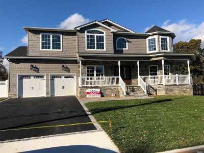N. Merrick Single Family Home For Sale: 126 Taft Ave