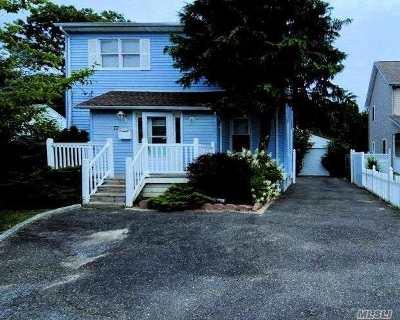 Islip Single Family Home For Sale: 77 Nassau St