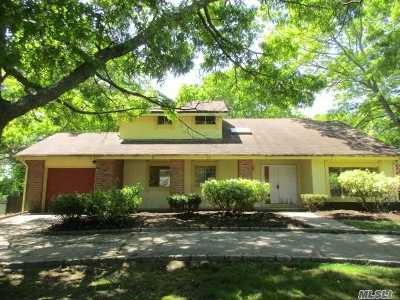 Farmingville Single Family Home For Sale: 10 Melissa Dr
