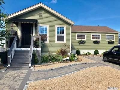 Freeport Single Family Home For Sale: 446 Nassau Ave
