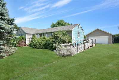 Cutchogue Single Family Home For Sale: 885 Little Neck Rd