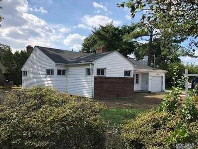Freeport Single Family Home For Sale: 149 N Bayview Ave