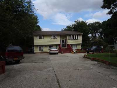 Central Islip  Single Family Home For Sale: 6 Bayonne Ave