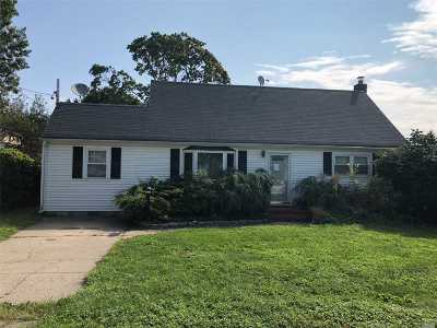 Lindenhurst Single Family Home For Sale: 320 S 7th St