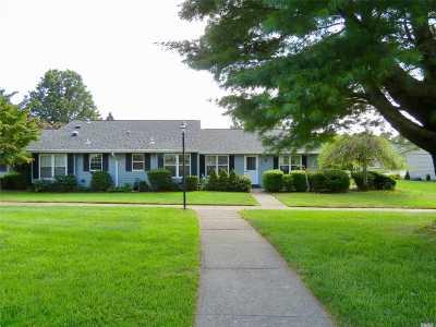 Ridge Condo/Townhouse For Sale: 455 Falmouth Ct #B