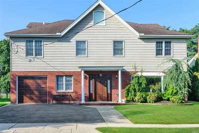 Woodmere Single Family Home For Sale: 753 Longacre Ave