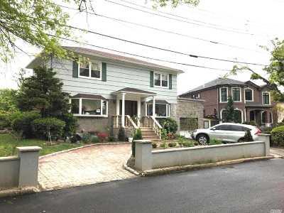 Whitestone Single Family Home For Sale: 2-04 147 Pl
