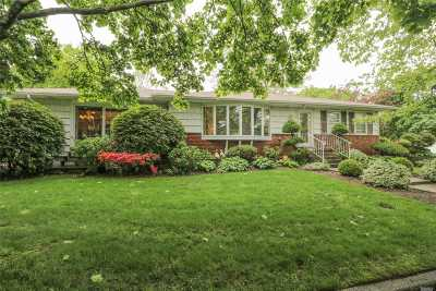 Smithtown Single Family Home For Sale: 4 Sandy Hollow Dr